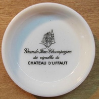 CENDRIER GRANDE FINE CHAMPAGNE DES VIGNOBLES DU CHATEAU D'UFFAUT / MAGNIER BLANGY MADE IN FRANCE - Cendriers