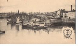 CPA, (85), Les Sables-D'Olonne, Le Port Vu Du Quai De La Chaume, Jamais Voyagée, Blason, Bateaux - Sables D'Olonne