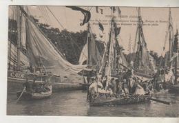 PORT En BESSIN - Bénédiction De La Mer Par Monseigneur Lemonier - Cliché Peu Courant - Port-en-Bessin-Huppain