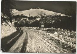 W1591 Terminillo - La Bella Strada Che Conduce Ai Campi Da Sci - Panorama Invernale / Viaggiata 1955 - Italia