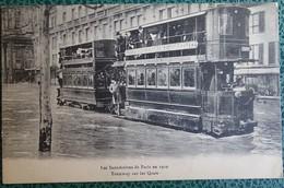 Cpa - 75 - Paris - Les Inondations De Paris En 1910 - Tramway Sur Les Quais - La Crecida Del Sena De 1910