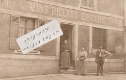 Maison De Marchand De Vins , Billard , Epicerie  Et Tabac  En 1911 à Localiser  ( Carte-photo ) - Postcards