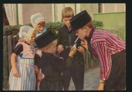 Klederdracht - Costume - Folklore - Urk - Stiekem Sigaretje Roken [AA36 4.298 - Non Classés