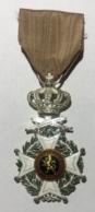 Militaria. Médaille Décoration Belge. Chevalier à L'Ordre De Léopold I à Titre Militaire. Ruban Défraichi. - Belgique