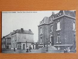 Monceau -sur-sambre Belle Photo 19,5cmx11cm Sur Dépliant Carton  Hôtel De Ville Et école Des Garçons - Charleroi