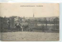 CPA 12 Aveyron LACAPELLE BLEYS (sic) La Capelle-Bleys VUE GENERALE Labours Labourage Attelage Boeufs Laboureur - Sonstige Gemeinden