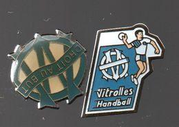 PIN'S MARSEILLE FOOT ET HANDBALL.VITROLLES.DROIT AU BUT..................BT10 - Handball