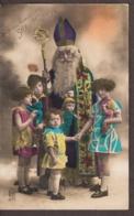 Kinderen Met Cadeaus Bij Sinterklaas - Vintage Kaart 1929 - Groepen Kinderen En Familie