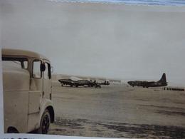 Avions Militaires Sur Leur Base - Aviation