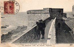 SAINT MALO - La Promenade Sur Les Remparts - La Poudrière - Saint Malo