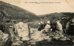 Ile De Groix - Un Lavoir - La Vallée De St Nicolas - Laveuses Lavandières Blanchisseuses - éditeur Villard N°2236 - Groix