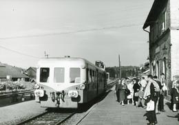 """Abreschwiller. Autorail Série X 3800 """"Picasso"""". Cliché Jacques Bazin. 17-09-1961 - Trains"""