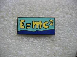 Pin's E=mc² - Zonder Classificatie