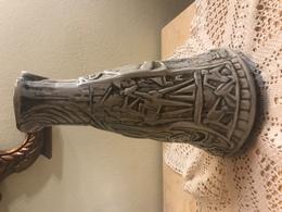 Vaso In Ceramica Arte Contemporanea Vintage Anni 50 Figure A Rilievo Otello Bernardi - Céramiques