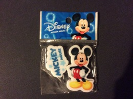 2 GOMMES BLISTER WALT DISNEY  Mickey Mouse  ERASERS - Autres Collections