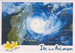 974 - ILE DE LA REUNION - OEIL CYCLONE TROPICALE OCEAN INDIEN - METEO FRANCE SATELLITE NOAA - MADAGASCAR - La Réunion
