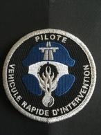 Écusson Gendarmerie Pilote Véhicule Rapide D Intervention - Police