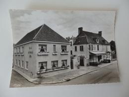 "Pontaubert, ""Au Soleil D'or"" L'hôtel. Cim. - France"