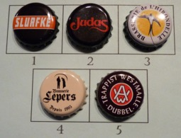 Lot N° 03-3 : 5 Capsules De Bière (parfait état - Pas De Trace De Décapsuleur) - Bière