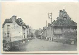 CPA 12 Aveyron Marcillac Rue De Conques Non Circulée - Autres Communes