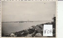 Singapour : Ville Et Port - 1947 - Vue Prise Du Bateau - Ile De France ( Format 8,5cm X 5,7cm ) Photo Militaire - Guerre, Militaire