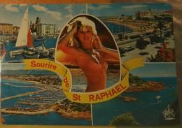 CPM Saint-Raphaël, Multivues. Jeune Femme Aux Seins Nus / Plage. - Pin-Ups