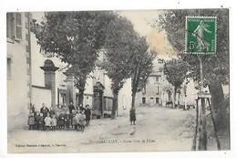 CHAURIAT  (cpa 63)   Ecole Libre De Filles  -  L 1 - France