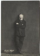 CPM - Victor HUGO à GUERNESEY - Photo Edmond Bacot - Edition Biblio.Nat - Ecrivains