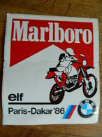 MOTO   RALLY  :AUTOCOLLANT  MARLBORO PARIS DAKAR 1986 -MOTO BMW - Motos