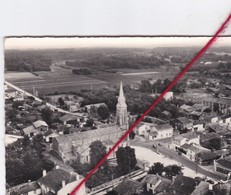 CP 33 -  VENDAYS MONTALIVET - Vue Aérienne Sur L'église St-Seurin - France