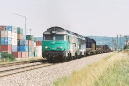 Vaivre (70) 27 Juillet 2005 - Les A1A A1A 68010 (livrée Fret) Et 68079 En Tête D'un Train De Fret Vesoul/Gevrey - France