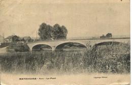 11952 - Marne -  MATOUGES  :  L'ENTREE DU VILLAGE  ET  LE  PONT   (disparu )  Circulée - Frankrijk