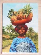 WOMAN FRUIT SELLER WESTERN NIGERIA - Nigeria