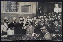 ROYALTY ROYALTIES SPAIN Queen Sofia & ( Juan Carlos I De España ? ) Catholic University Of Bs As Press Photo Jean Guyaux - Personalidades Famosas