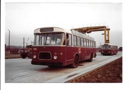 2 Foto's Muizen - Goederenstation Met Autobussen. - Photos