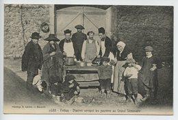 Frejus Diacres Servant Les Pauvres Au Grand Seminaire - Frejus