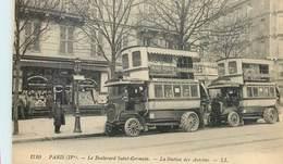 PARIS STATION DES AUTOBUS BOULEVARD SAINT-GERMAIN AUTOCAR 75004 TRANSPORT - Nahverkehr, Oberirdisch