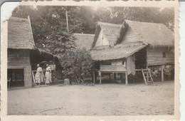 Cambodge : LOLEI : Une Bonzerie Aux Ruines : 1948 ( Format : 8,7cm X 6,2cm ) - Lieux