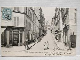 Paris. Montmartre. Rue Tholozé - Arrondissement: 18