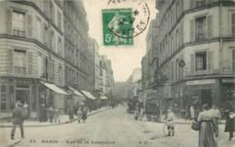 PARIS LA RUE DE LA JONQUIERE ANIMEE CAFE DEVANTURE 75017 - Arrondissement: 17