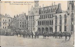 BRUGES - Les Souverains Sur La Grand' Place - Brugge