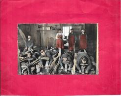 THIERS - 63 -  Intérieur De Coutellerie - Les Émouleurs - BES1 - - Thiers