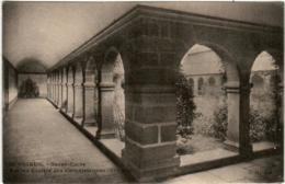 31pm 1O18 CPA -  SAINT BRIEUC - SACRE COEUR - ANCIENNE CLOITRE DES CALVAIRIENNES - Saint-Brieuc