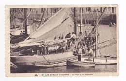 85 Les Sables D'Olonne N°81 Le Pont D'un Thonnier Bateau De Pêche à Voile Pêcheurs Thons - Pêche