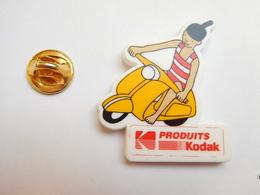 Beau Pin's En Plastique , Photo , Produits Kodak , Scooter Vespa - Fotografía