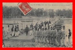 CPA MILITARIA (34) Montpellier. 2em Génie, Manoeuvre De Pont. La Parade, Officiers, Animé...I0764 - Reggimenti