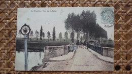LA FRONTIERE - PONT SUR LA SEILLE - France