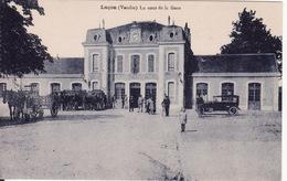 85 LUCON -- La Cour De La Gare Très Animée - Lucon