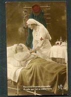 CPA - Blessé Et Infirmière - Guerre 1914-18