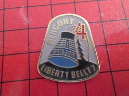 1016c Pin's Pins / Rare Et De Belle Qualité / THEME ESPACE : NASA CAPSULE SPATIALE MERCURY 4 LIBERTY BELL GRISSOM - Space
